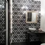 Гостевая ванная комната на первом этаже